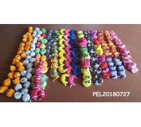 Assortiment de 240 peluches
